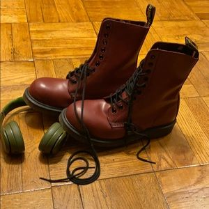 Dr Martens 1919 Cherry Red Burgandy Oxblood